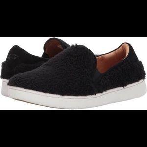 UGG Fluffy Ricci Slip Ons Black size 7